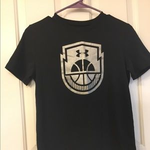 Gently Used Boys Under Armour Basketball Tee